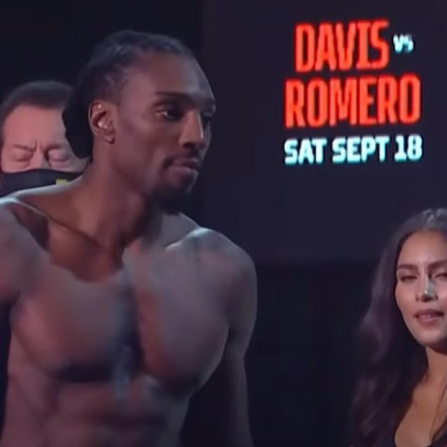 Phil Davis vs. Yoel Romero