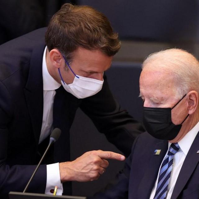 Joe Biden i Emmanuel Macron