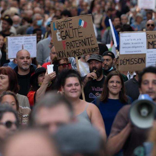 Prosvjed antivaksera/Francuska
