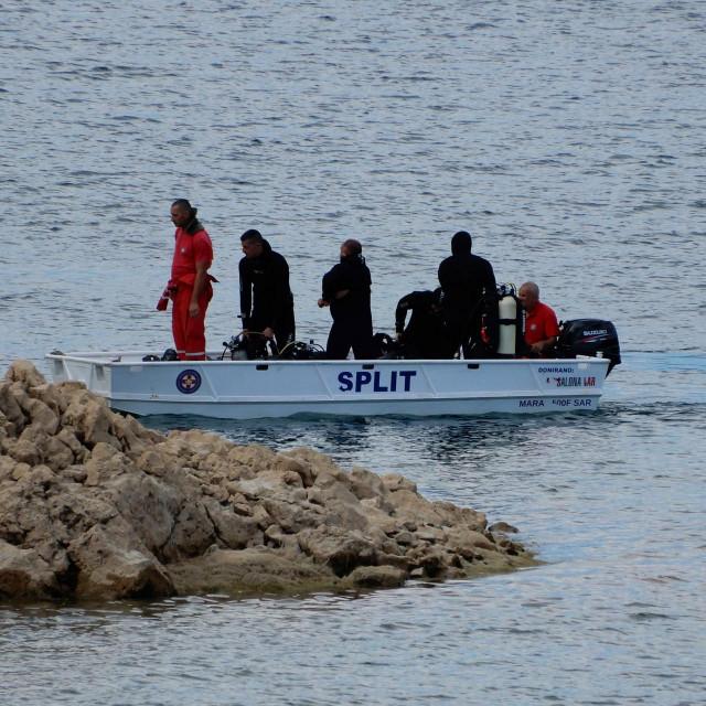 Potraga na jezeru Peruća