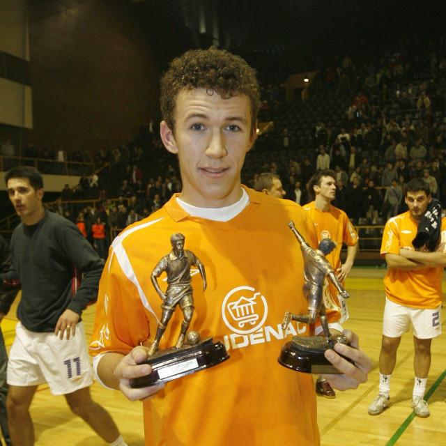 Najbolji strijelac i najbolji igrač - Ivan Perišić na turniru Četiri kafića 2008 godine (dvorana na Gripama)