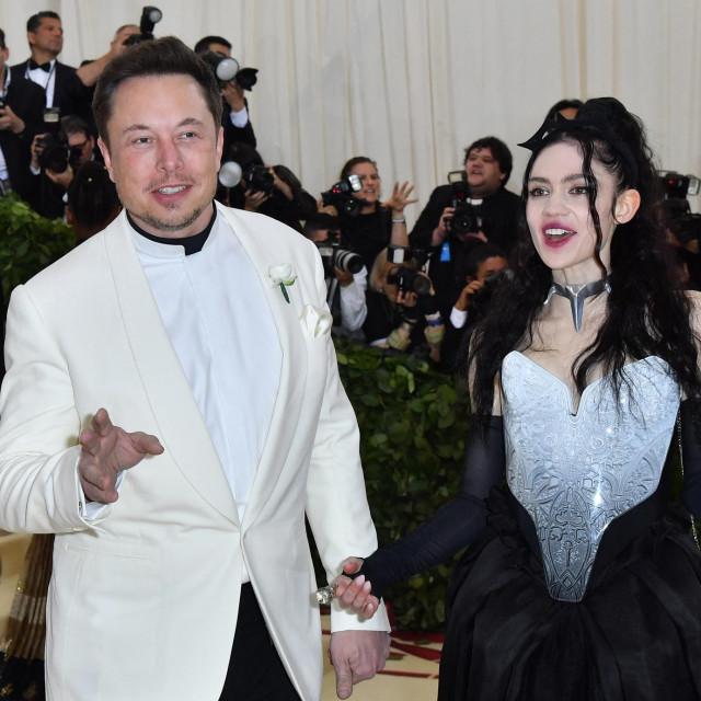 Elon Musk i Grimes na Met Gali 2018. godine