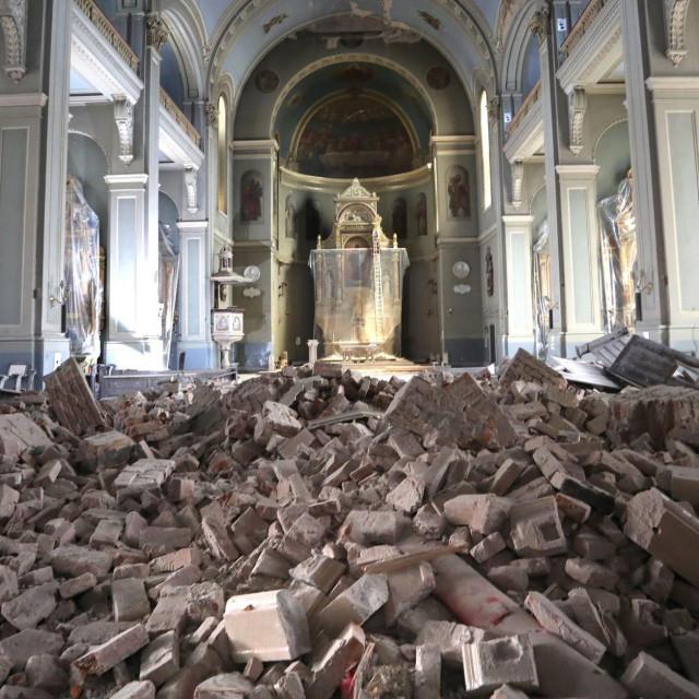 Bazilika srca Isusova koja je stradala u potresu
