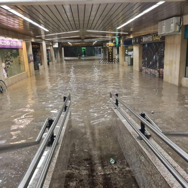 Poplavljeni pothodnik u Ljubljani