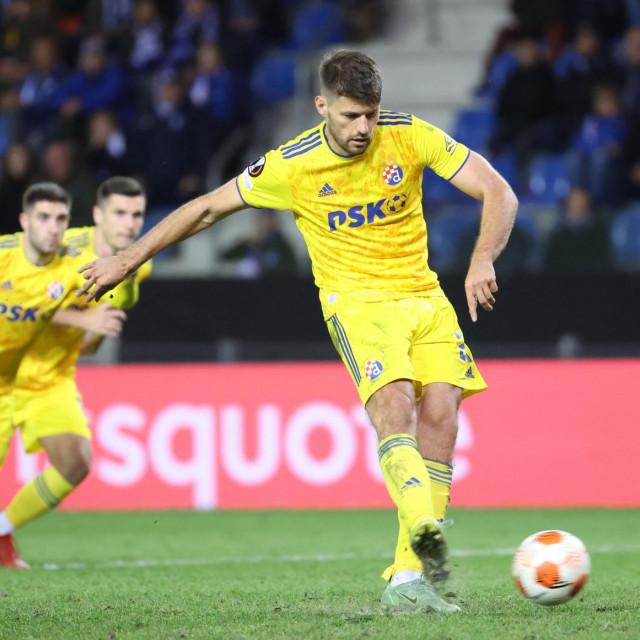 Bruno Petković danas je zabio dvaput s bijele točke