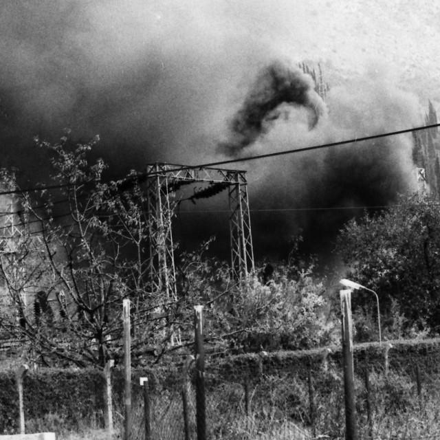 Granate su zapalile objekte u Mokošici