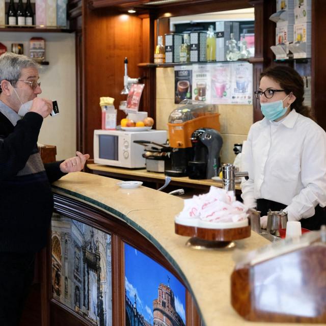 Kafić u Messini
