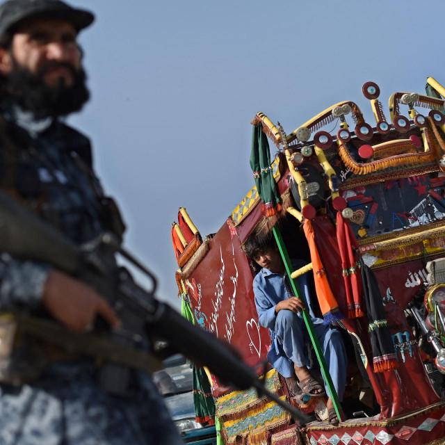 Ilustracija, borac talibana