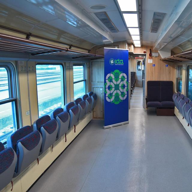 Novouređeni vlak koji može primati i bicikle