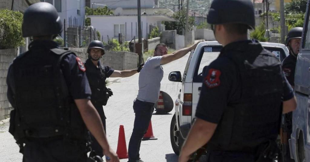 Albanija : Narko država F_12745623_1024
