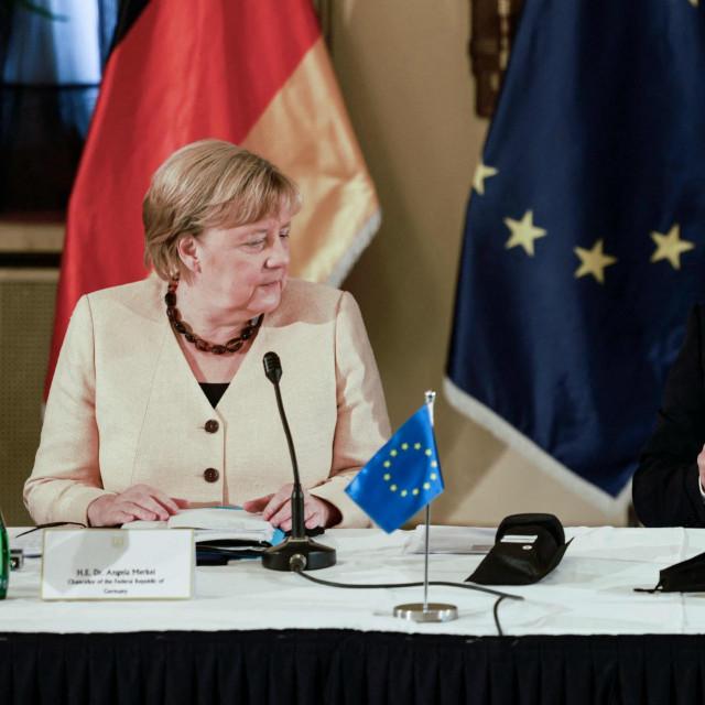 Angela Merkel i Naftali Benett