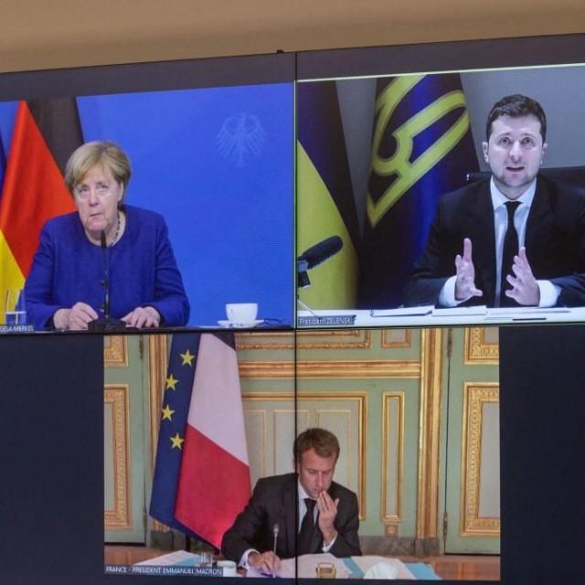 Volodimir Zelenskij na virtualnom sastanku sAngelomMerkel iEmmanuelom Macronom