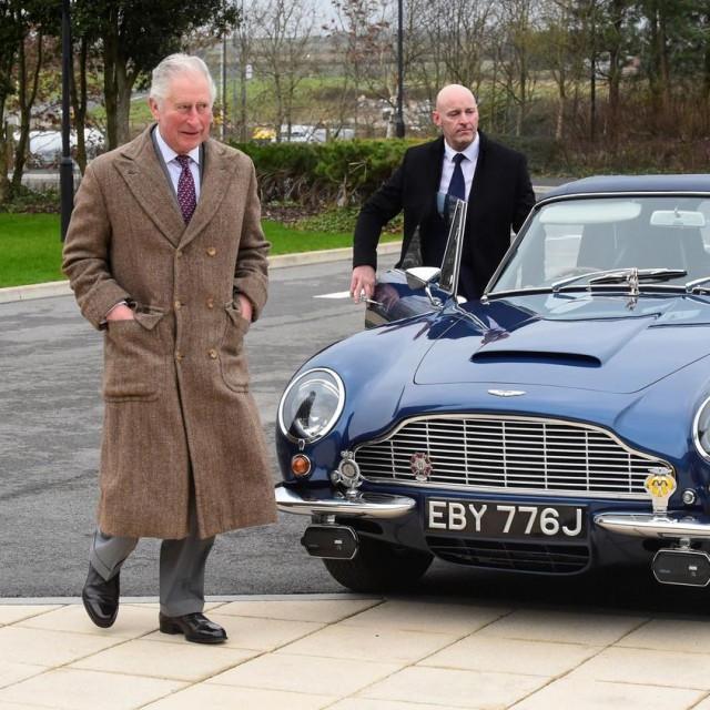 Princ od Walesa i njegov Aston Martin DB6
