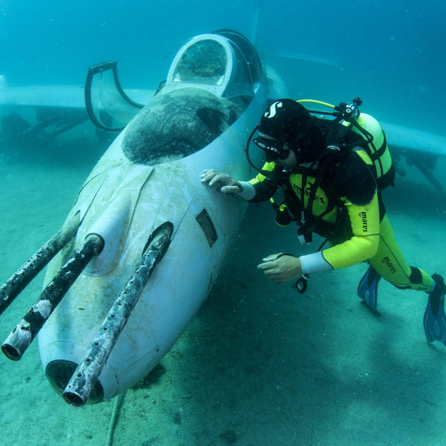 Potopljeni avion