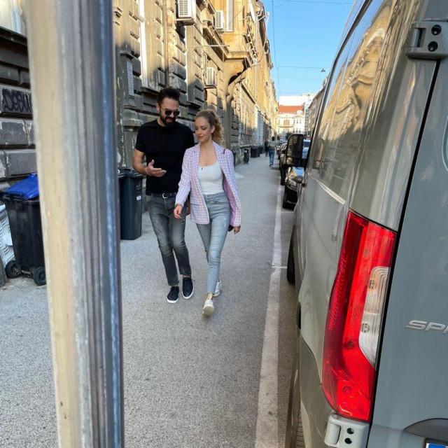 Petra Grašu i Hanu Huljić u šetnji centrom uhvatio je fotograf Cropixa