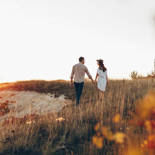"""Opet ćemo se sresti, jer duša dušu nađe kad je ljubav vodi."""