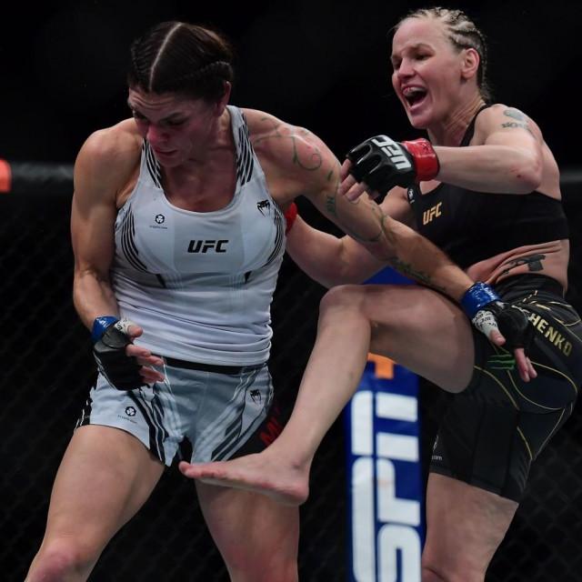 Lauren Murphy i Valentina Shevchenko (UFC 266)