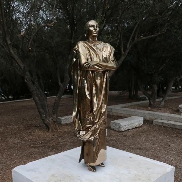 Sporna statua Marije Callas