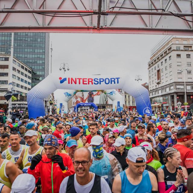 """<a href=""""https://www.zagreb-marathon.com/hr/"""" target=""""_blank"""">Zagrebački maraton</a>"""