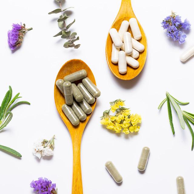 Dodaci prehrani iz ove kategorije sadrže aktivne tvari usmjerene na zdravlje i ljepotu kože