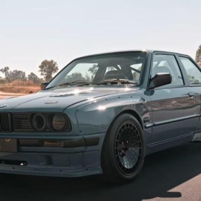 BMW Serija 3 (E30) V8