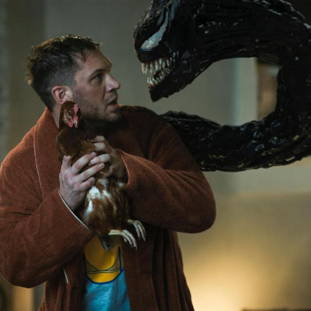 """Tom Hardy kao Eddie Brock i Venom u filmu """"Venom 2"""""""