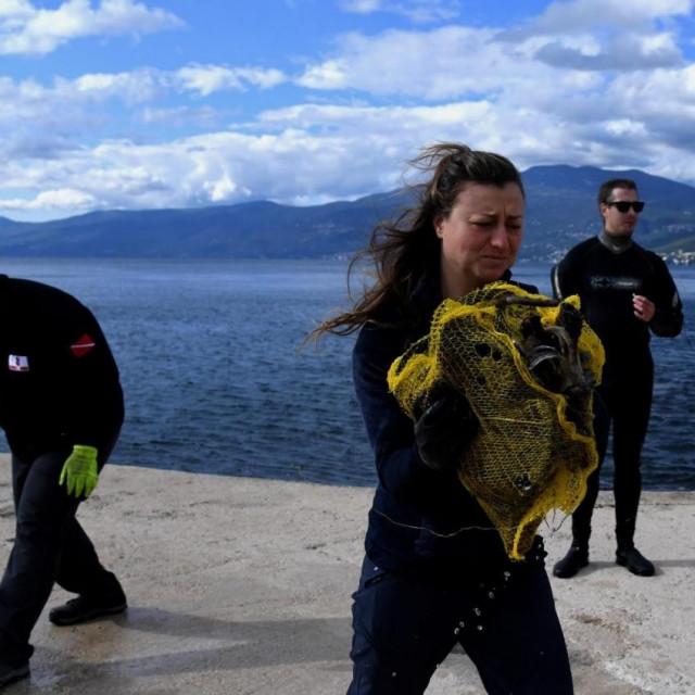 Ekološka akcija u sklopu 2. Hrvatskog ronilačkog kongresa održala se na pet lokacija