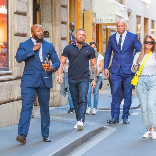 Conor McGregor i Dee Devlin u šetnji Rimom