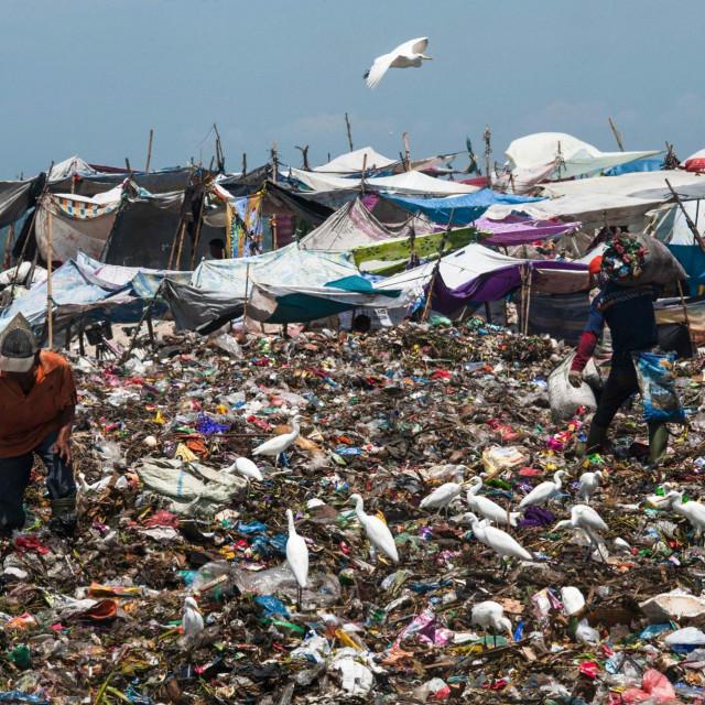 Odlagalište plastike u Indoneziji