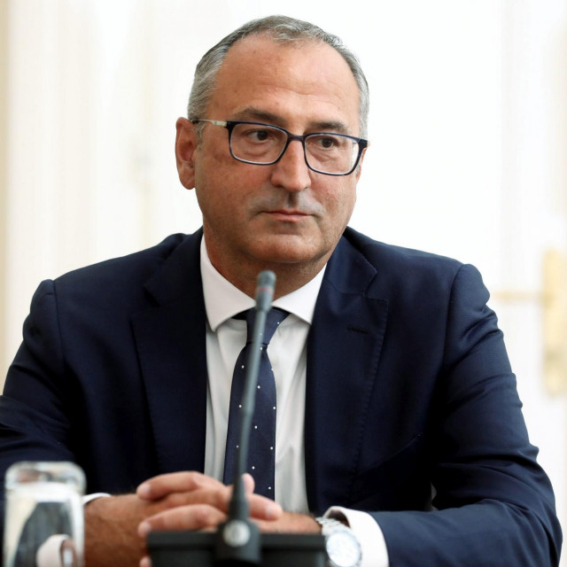 Vladajući HDZ nije uspio prošli tjedan za ravnatelja HRT-a izabati Roberta Šveba (na fotografiji)