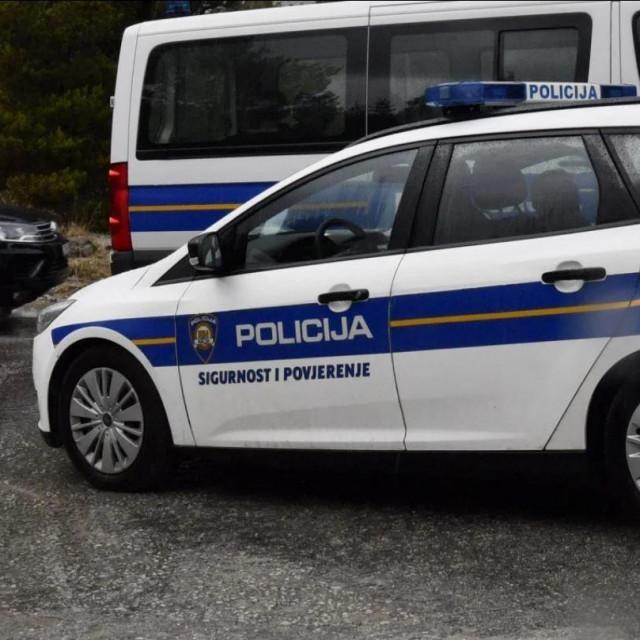 Policijski automobil, ilustracija