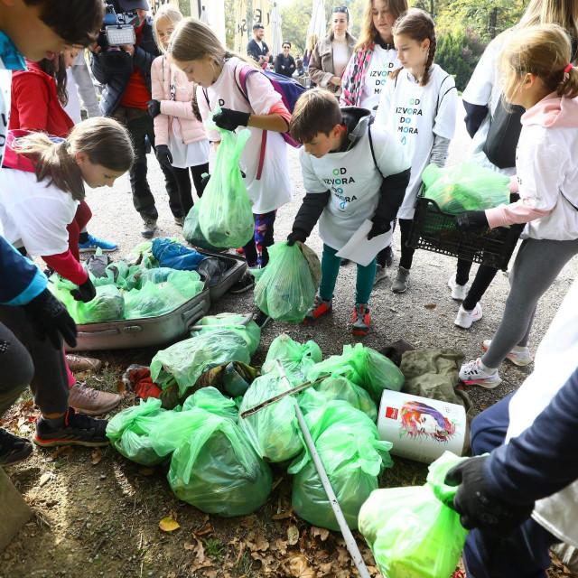Djeca sudjeluju u akciji