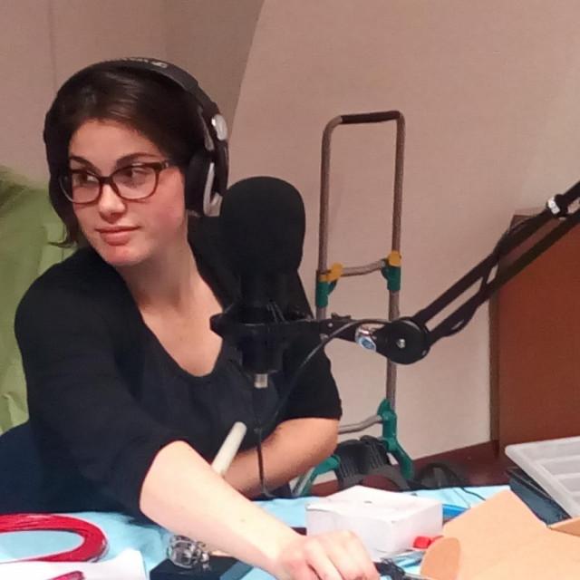 Marta Medvešek je nezavisna radijska autorica s berlinskom adresom.