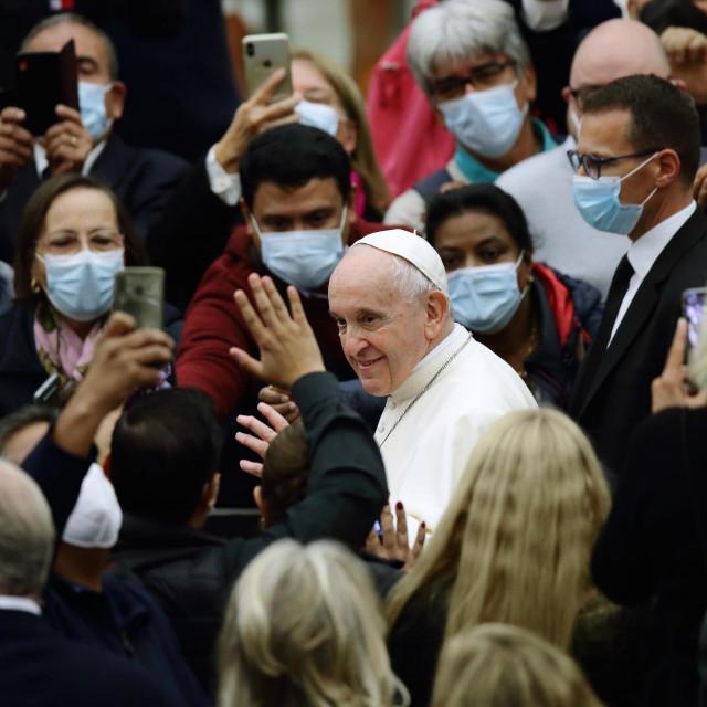 Vatikan se nada da će nova inačica aplikacije doprijeti do još više vjernika