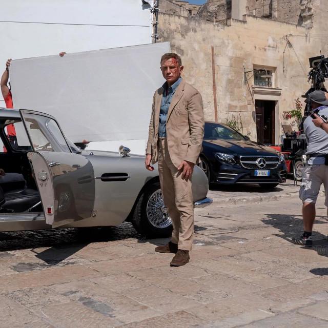 """Daniel Craig na snimanju """"Za smrt nema vremena"""""""