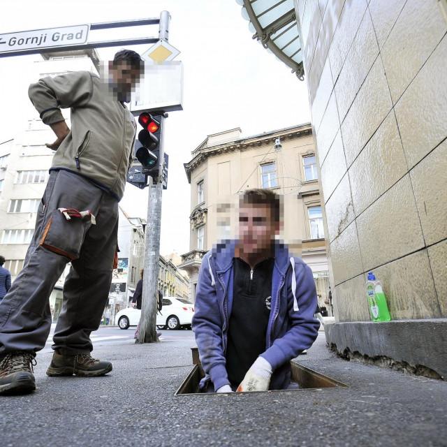 Radnici polažu optičke kablove/arhivska fotografija