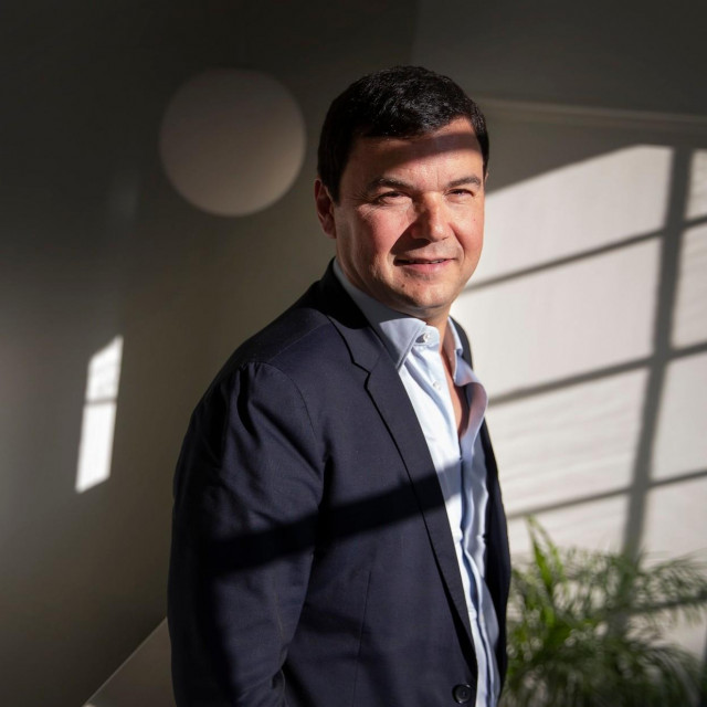 """Knjiga """"Napokon socijalizam!"""" prenosi mjesečne kolumne koje je Piketty objavljivao u Le Mondeu između rujna 2016. i srpnja 2020."""