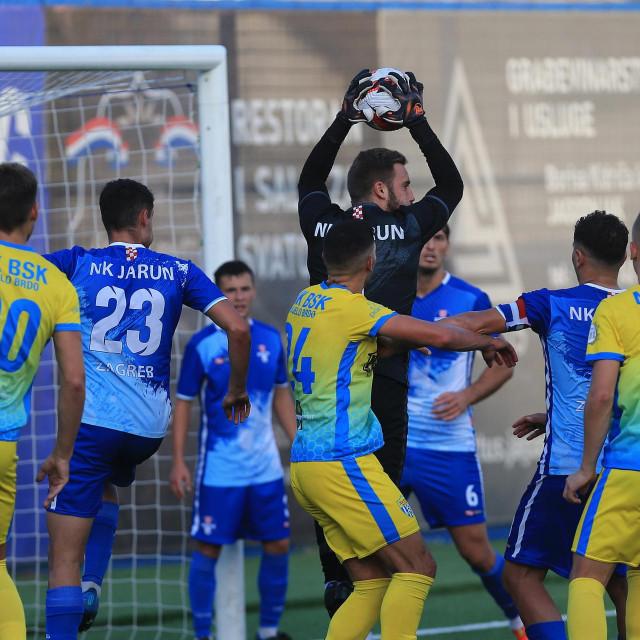 Igrači Bijelog Brda u žutim dresovima protiv Jaruna